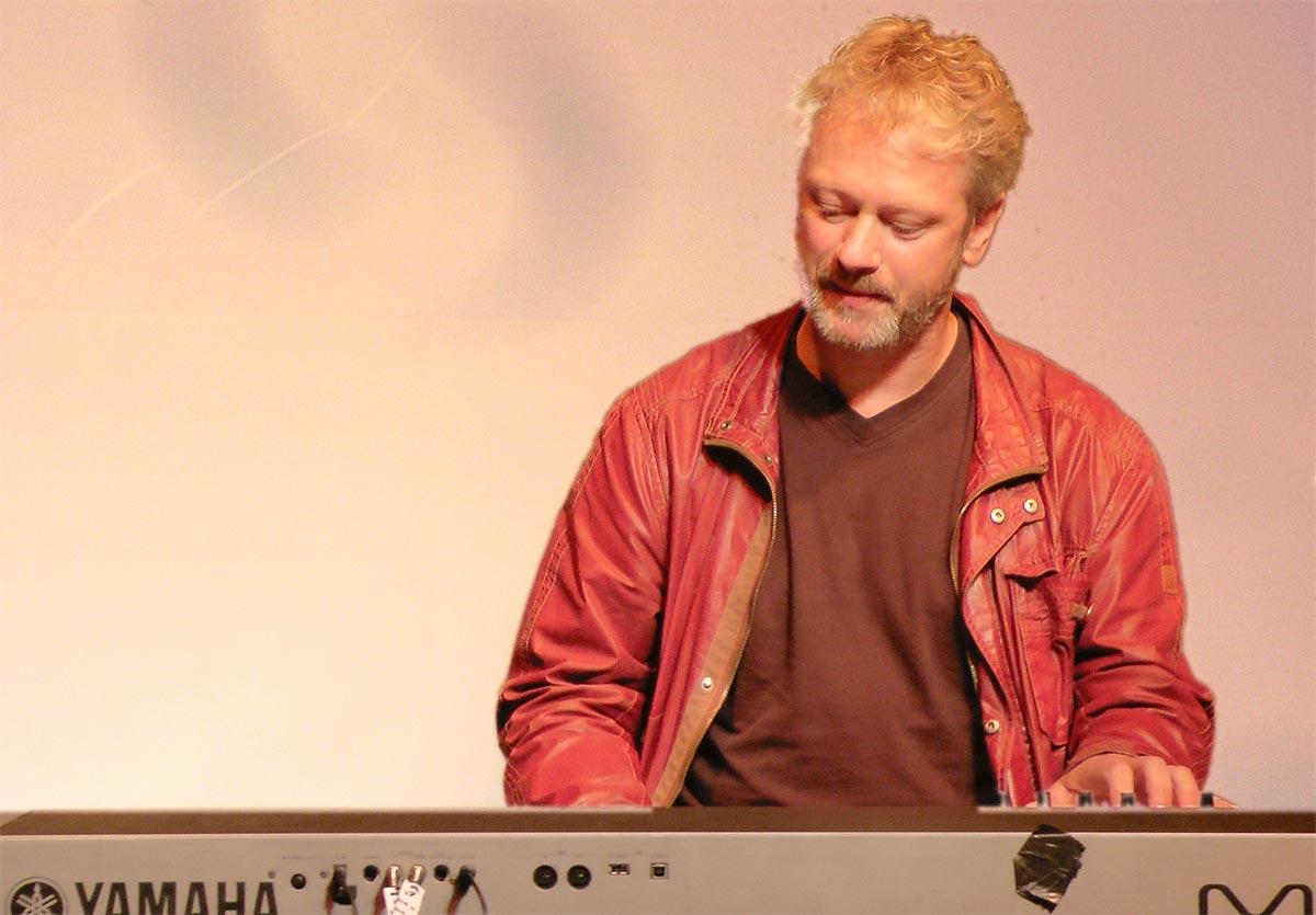 Stevko Busch teclado electronico